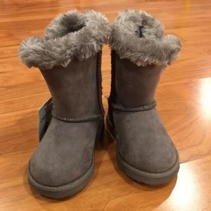 NWT Girl's Cherokee Grey Fur Lined Winter Boots